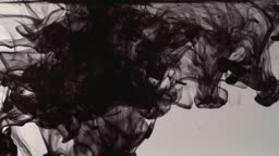 물속에 떨어진 잉크의 모습