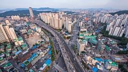 서울 성북구 V와 X 형태의 내부순환도로 전경