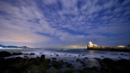부산 기장 오랑대공원의 별과 구름이 흐르는 야경