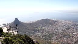 남아프리카 공화국의 테이블 마운틴 전망대와 도시 모습