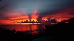 괌의 해변의 일몰 모습