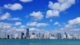 Miami Skyline im Zeitraffer, groesserer Ausschnitt - Time lapse of the Miami skyline, enlarged view