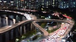 서울 강변북로 차량 정체 야경