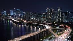 서울 강변북로와 도심 야경