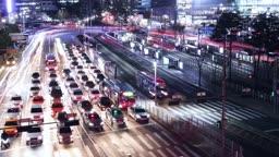 서울 중구 서울역 버스 환승센터 퇴근길 차량 야경