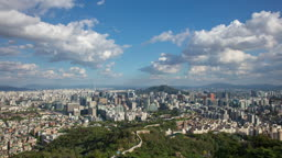 서울 여름 인왕산 일대 종로구와 중구 도심 구름 전경