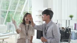 회의하는 청년들 (스타트 업)