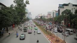 베트남 하노이 길거리 차량이동 모습