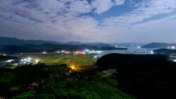 경남 고성 논밭과 마을 야경