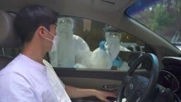 코로나바이러스 코로나 검사 선별진료소 드라이브 스루 방호복 입은 의료진 모습