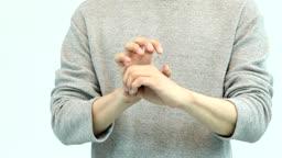 코로나바이러스 수화 표현하는 남자 손 모습